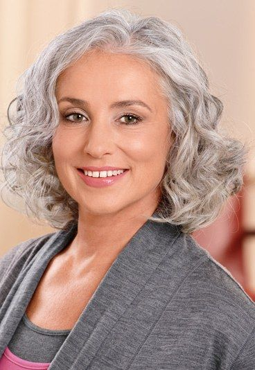 12 Short Haircuts For Women Over 50 With Gray Hair [August, 2018]