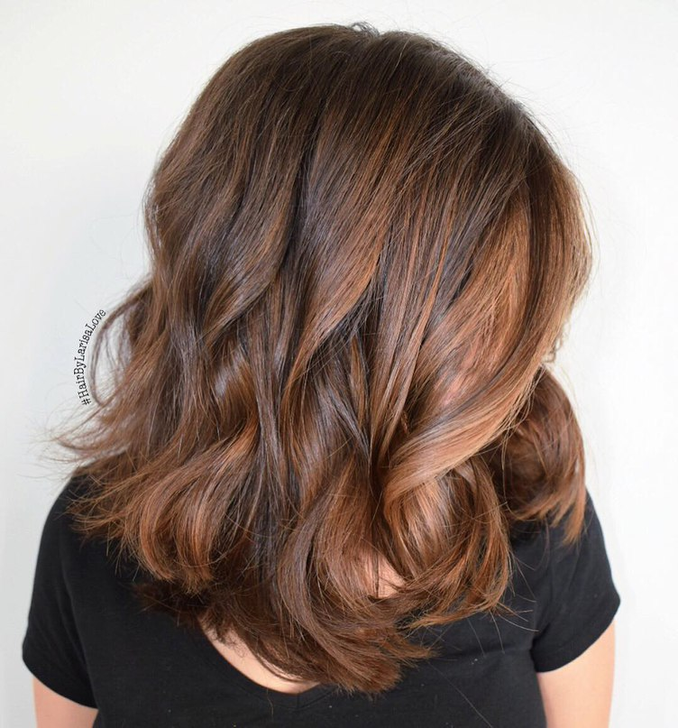 25 brown hair color ideas that are hot right now medium brown hair with loosy waves urmus Gallery