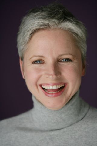 12 short haircuts for women over 50 with gray hair may 2020